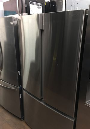 Insignia Bottom Freezer Fridge for Sale in Anaheim, CA