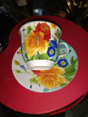 Taza de té en porcelana antigua for Sale in Miami Gardens, FL