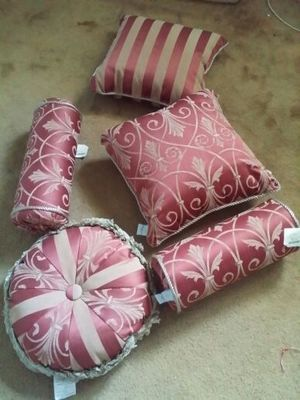 Brand new Christopher Lowell Collection 5 piece pillow set for Sale in Baldwin Park, CA