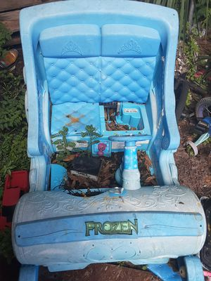 Elsa sleigh for Sale in Tampa, FL