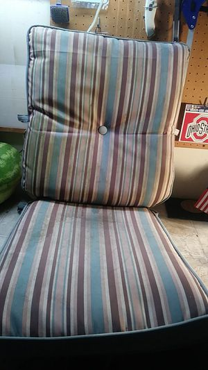 4 patio cushions for Sale in Columbus, OH