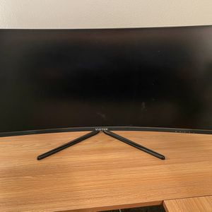 """Viotek 34"""" Curved gaming monitor for Sale in Rancho Cucamonga, CA"""