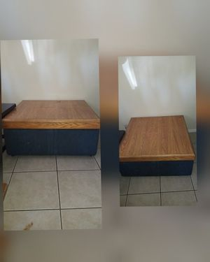 Large square ottoman with storage for Sale in Selma, CA