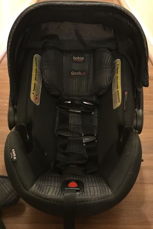 "Britax B-Safe Elite Car Seat and Base - Black/Grey ""Domino"" print for Sale in Washington, DC"