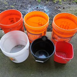 Buckets for Sale in Oregon City,  OR