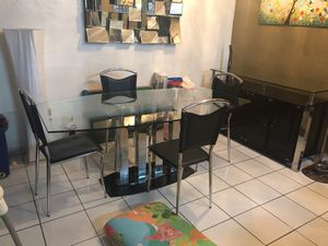 Dining room set for sale with cabinet for Sale in Hialeah, FL