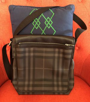 Authentic Burberry Messenger/Cross body bag for men for Sale in Hayward, CA