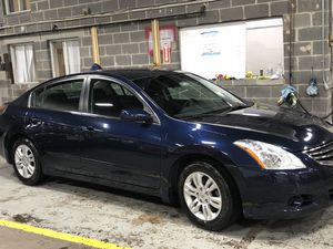 Nissan Altima clean title one owner from brand new and well maintained for Sale in Calverton, MD