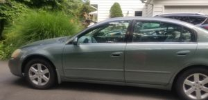Nissan altima 02 for parts for Sale in New Fairfield, CT