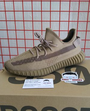 ADIDAS YEEZY BOOST 350 V2 SIZE 11.5 US MEN SHOES NEW WITH BOX $350 for Sale in Cleveland, OH