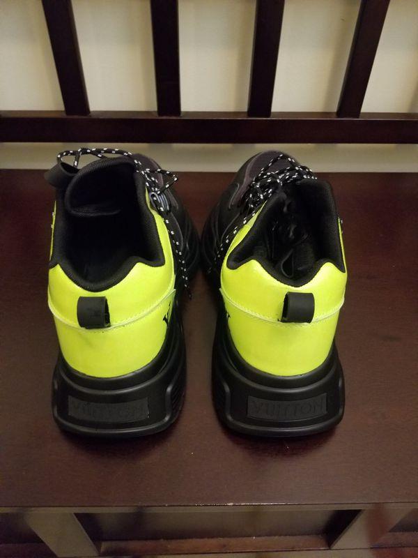 Louis Vuitton Sneakers / Versace