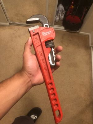 Milwaukee pipe wrench for Sale in Garden Grove, CA