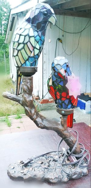 TIFFANY STYLE STAINED GLASS DESK LAMP for Sale in Port Orchard, WA