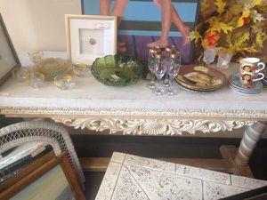 Decorative Console Table for Sale in Orlando, FL