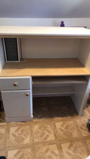 Desk for Sale in Roselle, NJ