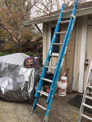 16' fiberglass extension ladder for Sale in Stockton, CA