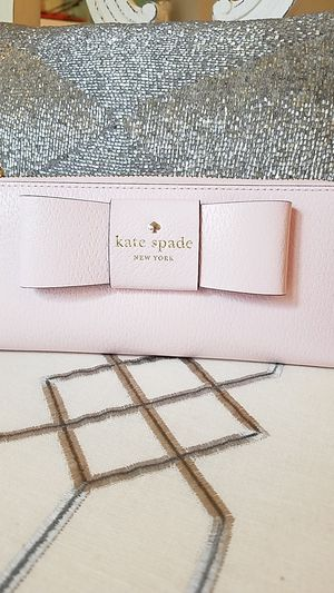 Kate Spade Bow wallet for Sale in Buford, GA
