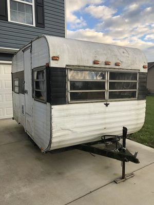 Mid 70's 14ft travel trailer for Sale in Inwood, WV