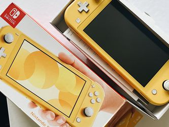 Nintendo Switch Lite (yellow) NO GAMES INCLUDED for Sale in Seattle,  WA