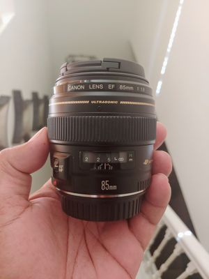 Canon 85mm 1.8 Top mint condition! for Sale in Gibsonton, FL