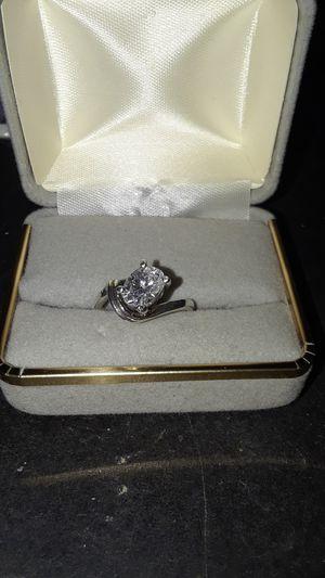 Ladies sterling silver ring for Sale in Las Vegas, NV