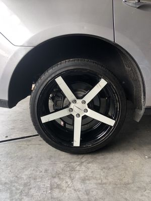 """20"""" wheels 20x10 rears 20x8.5 fronts 5x114.3 for Sale in San Angelo, TX"""