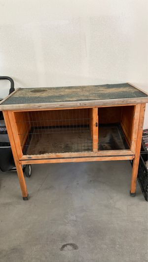 rabbit hutch for Sale in Chula Vista, CA
