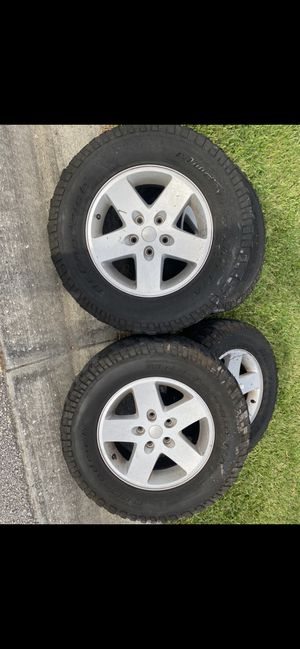 Jeep Wrangler tire and wheel for Sale in Ocoee, FL