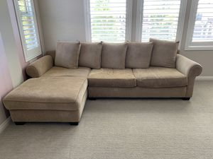 Cisco section couch with chaise for Sale in Carlsbad, CA
