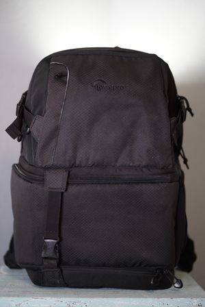 Lowepro DSLR Video Pack 250 Camera Bag for Sale in San Antonio, TX