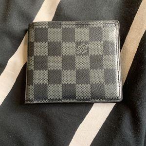 Nice LV Wallet for Sale in Springfield, VA