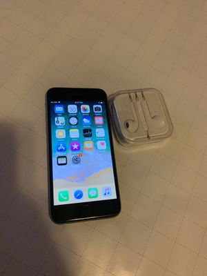 Unlocked Iphone 6s with great condition and 64 Gig for Sale in Federal Way, WA
