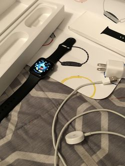 Apple Watch Series 4 44mm WiFi Only for Sale in Irwindale,  CA