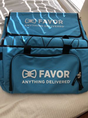 Favor Cooler and Pizza Bags, Favor XS T'Shirt for Sale in Fort Worth, TX