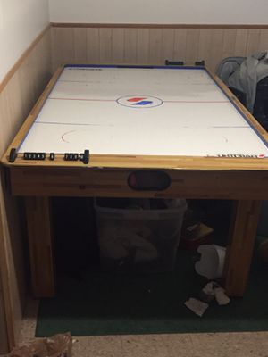 Air hockey table for Sale in Fraser, MI