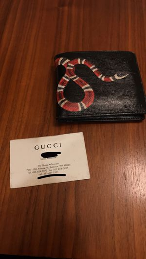 Men's Gucci wallet authentic ! for Sale in Ruston, WA