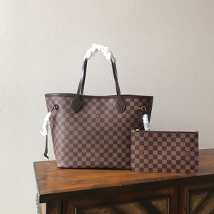 Louis vuitton neverfull bag for Sale in Alpharetta, GA