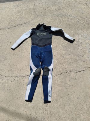 5/4 5mm Billabong Full Wetsuit size M for Sale in Newport Beach, CA