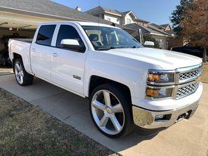 2015 chevy Silverado lt for Sale in Fort Worth, TX