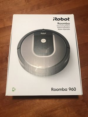Roomba 960 vacuum for Sale in Orland Park, IL