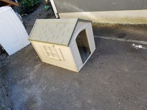 Dog house for Sale in Federal Way, WA