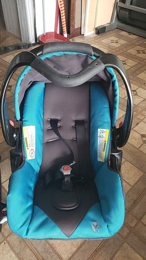 Car seat & base for Sale in Chino Hills, CA