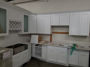 Kitchen cabinets& installation for Sale in Los Angeles, CA
