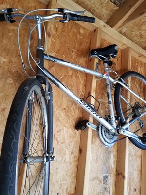 Silver Giant Cypress st bike for Sale in Chicago, IL