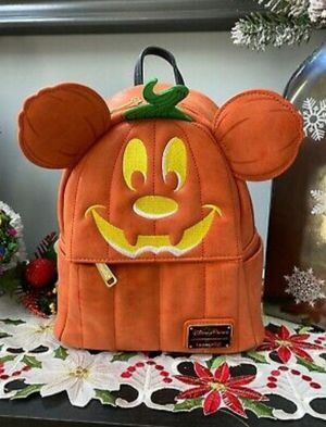 Nwt Disney parks backpack see pictures I'm in fontana message only when ready to pick up for Sale in Fontana, CA