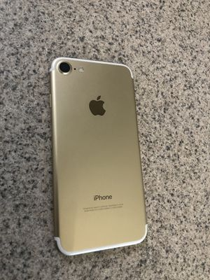 iPhone 7 32GB Gold Verizon/Factory Unlocked for Sale in Owings Mills, MD