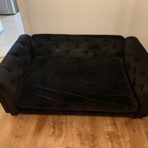 Large Velvet Designer Dog Bed for Sale in Los Angeles, CA