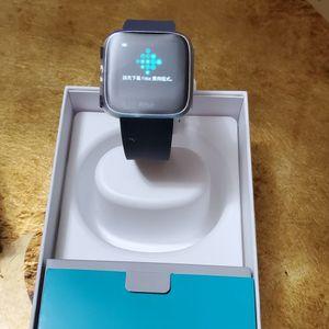 Fitbit Versa for Sale in St. Petersburg, FL