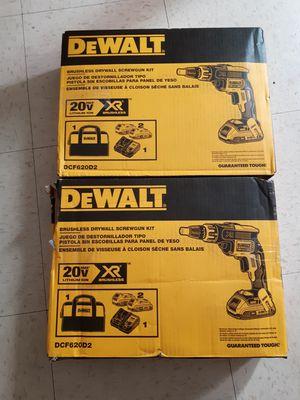 Balla señores lestengo 2 pistolas chirroqueras nuevas en 350 las 2 for Sale in Oakland, CA