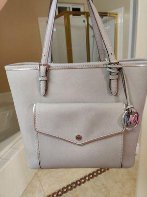 Michael Kors handbag for Sale in Bostonia, CA